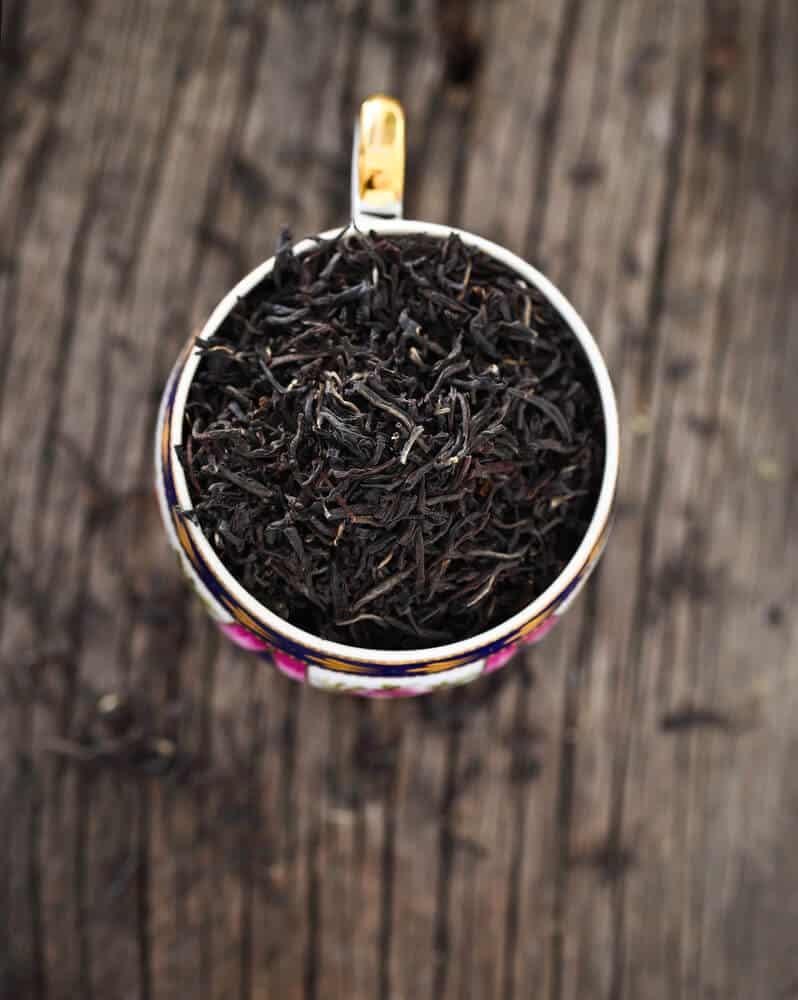 fermented black tea leaves